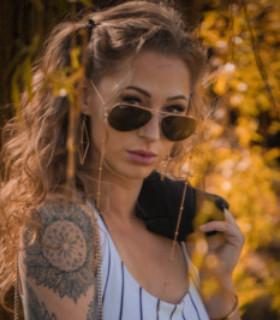Profile picture of Iris